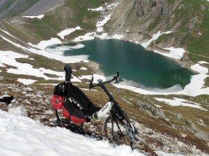 Au-dessus des Rochilles vers 2600 m pour aller au lac des Cerces