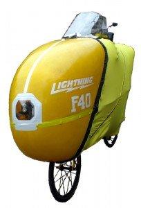 F40 Vélo couché caréné LIGHTNING d'un poids de 20 kg