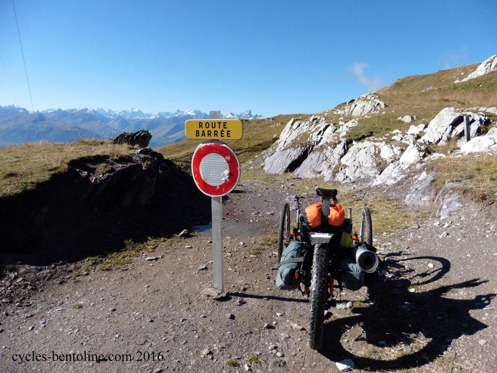 """Un panneau """"Route barrée"""" m'inquiète..."""