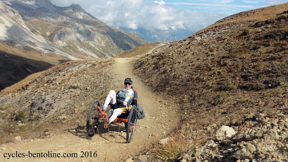 La montée est finalement cyclable à quasi 99% avec environ 200 m de poussage sur les devers du sommet