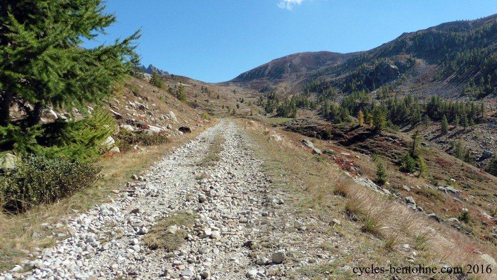 Cote 2000 vers le col de la Lombarde, versant italien