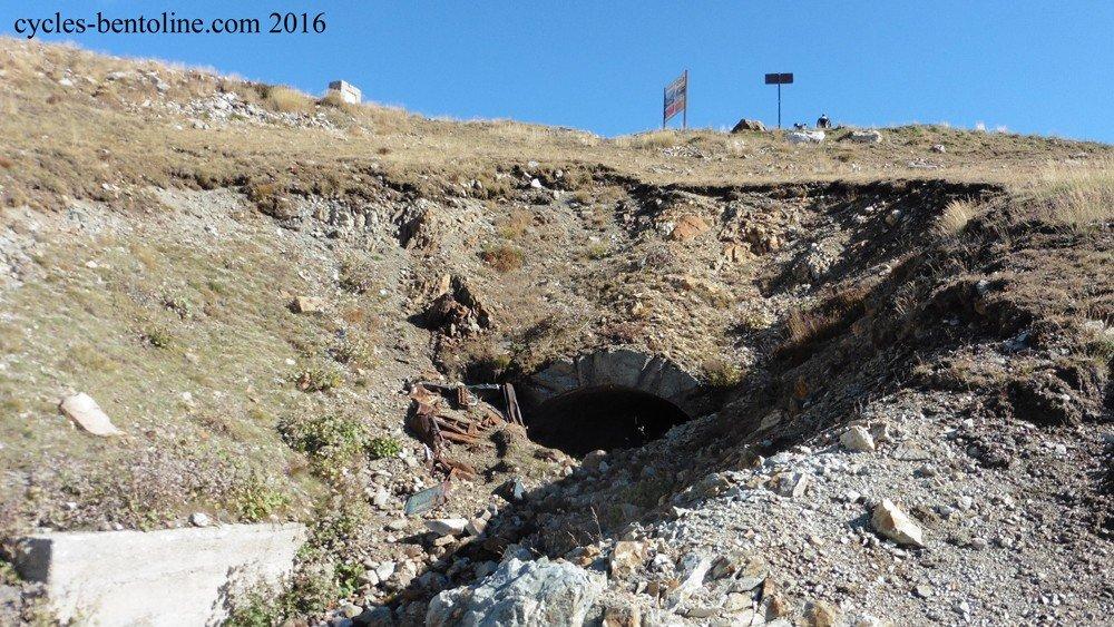 Ancien tunnel sommital militaire du col de la Lombarde ?