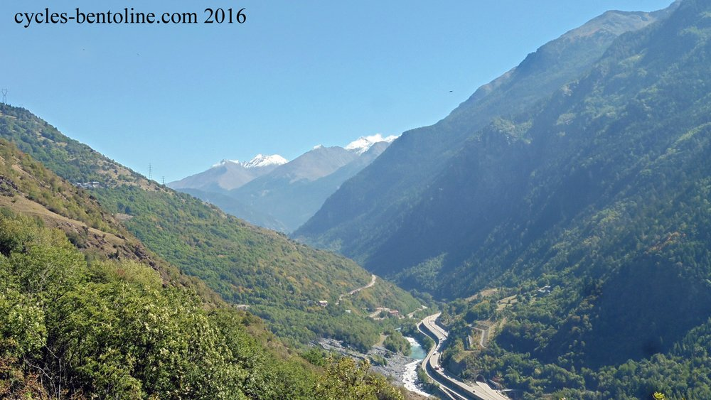 A la recherche d'une liaison par le hameau de La Buffaz pour évietr la RN en fond de vallée.