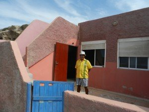 Hassan et sa maison de pécheur semi troglodyte