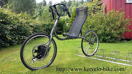 """Un vélo original et efficace vient compléter la famille des vélos couchés à traction directe. Il s'agit d'un FWD ; """"Front wheel drive"""""""