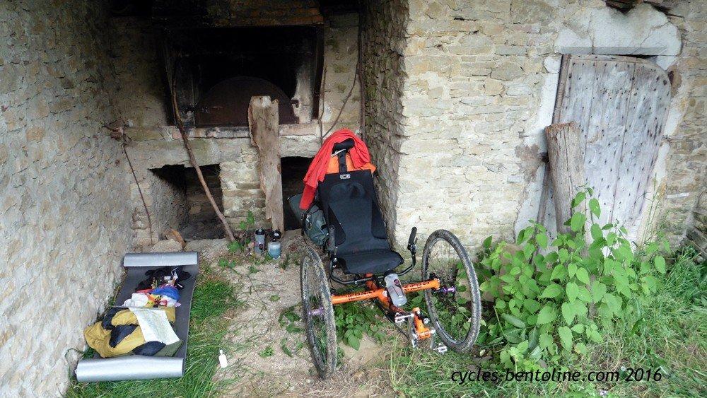Bivouac au four à pain du hameau des Poudreaux