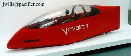 Tricycle caréné à double pédalage (bras et jambes) : le Vector