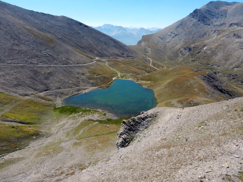 Vue sur le Lac et le col du Fréjus à partir du sommet de Punta Bagna à 2731 m