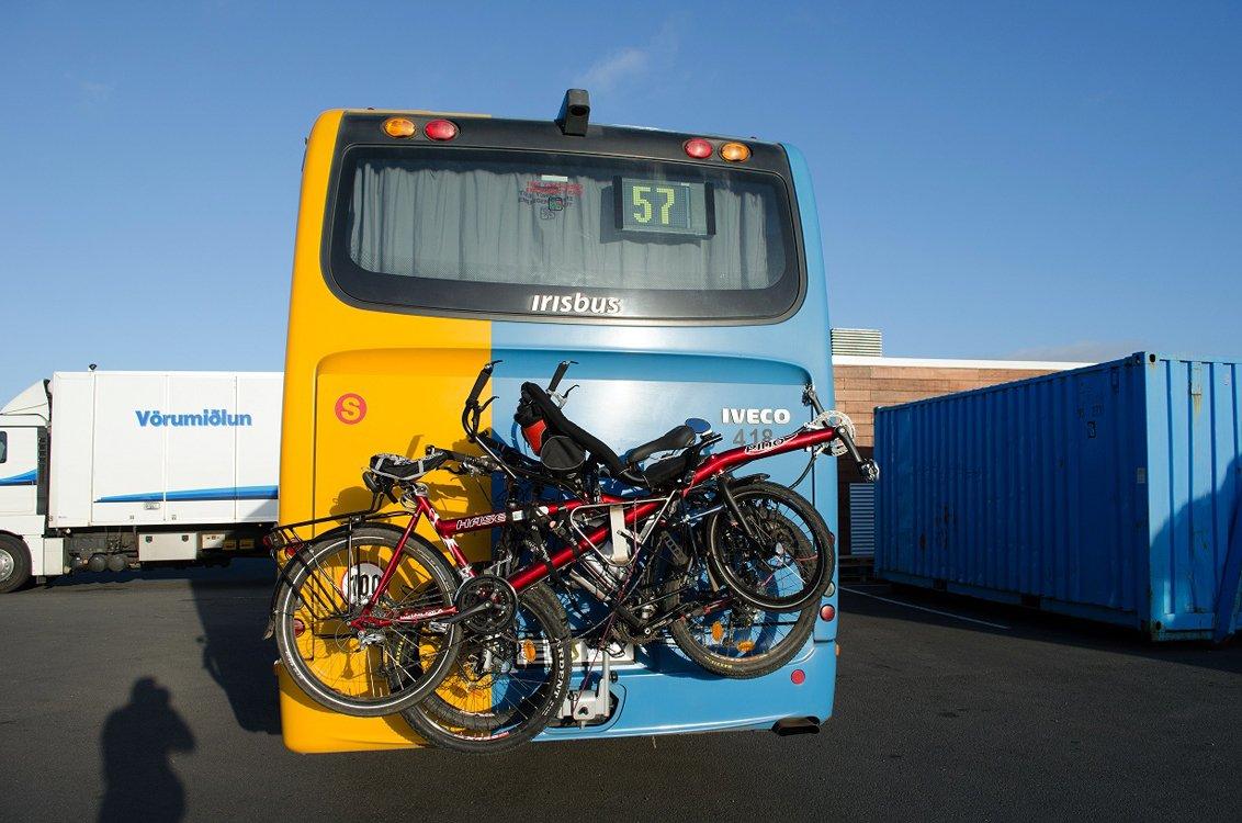 Le Tandem PINO à l'arrière d'un Bus Islandais.